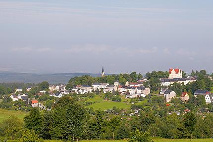 Schöneck in der Morgensonne (Kirchturmspitze)