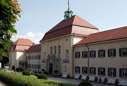Haupteingang Marienbad in Bad Elster